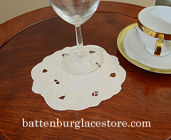 Doilies Round 5 in.Emerald Style. Pearl Ivory color (12pcs)