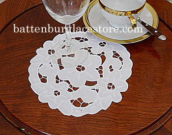 "Doilies. All Embroidery. Empress. Round 7"". White (6 pcs. set)"