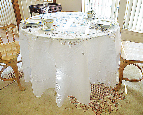 "Emerald 90"" Round Tablecloth"