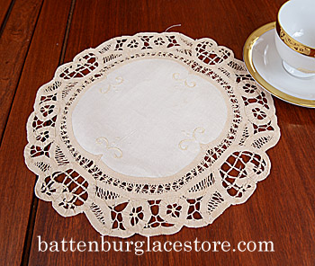 Doilies Round.Battenburg Lace. 12in.CREAM IVORY color (4 pieces)