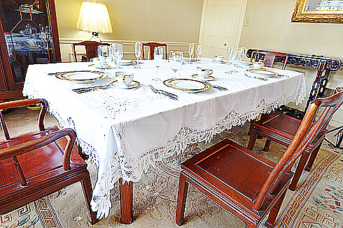"Battenburg Lace Tablecloth 65"" X 100"" With12 napkins. White."