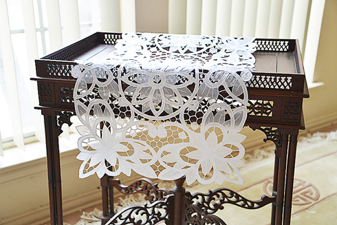 "Table Runner Christina Butterflies Crystal. 16""x72"". White color"
