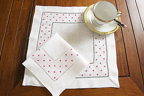 "Square Linen Placemat. Fuchsia Pink Swiss Polka Dots. 14"". 1 pc."