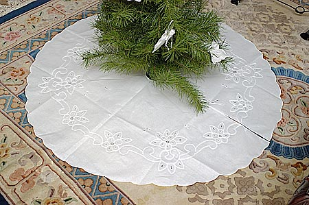 Vintage Embroidery Cotton Tree Skirts