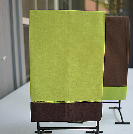 Guest towel Hot Green with Brown color border