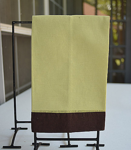 Guest Towel Lime with Brown color border