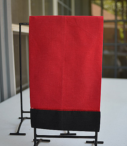 Guest Towel Red with Black color border