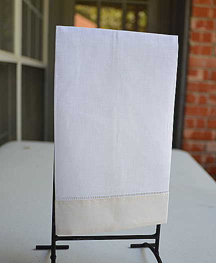 Guest towel. White with Ivory color border