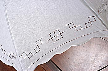 Parasol. Plain hemstitch classic Irish White