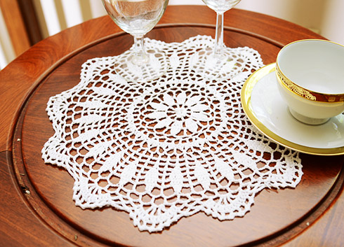 "Crochet Round Doilies.12"" Round. White color. 4 pieces pack"