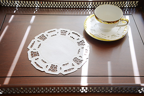 "Round doilies. 8"" Round. Dynasty Embroidery. White. 6 pieces"