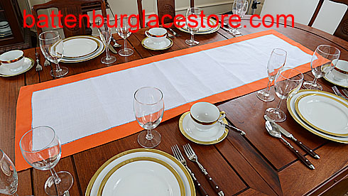Table runner. Color Trims.