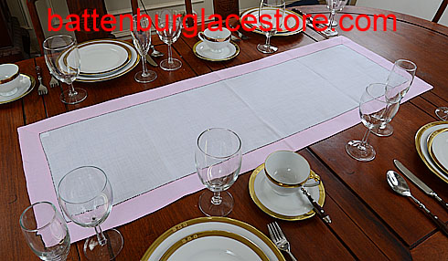 Table Runner. White with Pink Lady. 16x45""