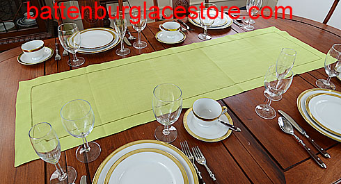 Table runner. Solid color. Macaw Green. 16x54